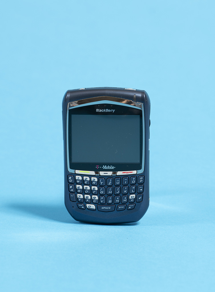 Smartphone BlackBerry 8700, 2006