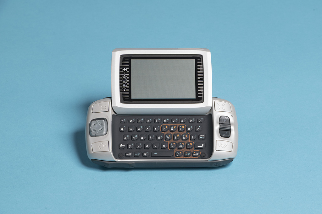 Smartphone BlackBerry 7230, 2003