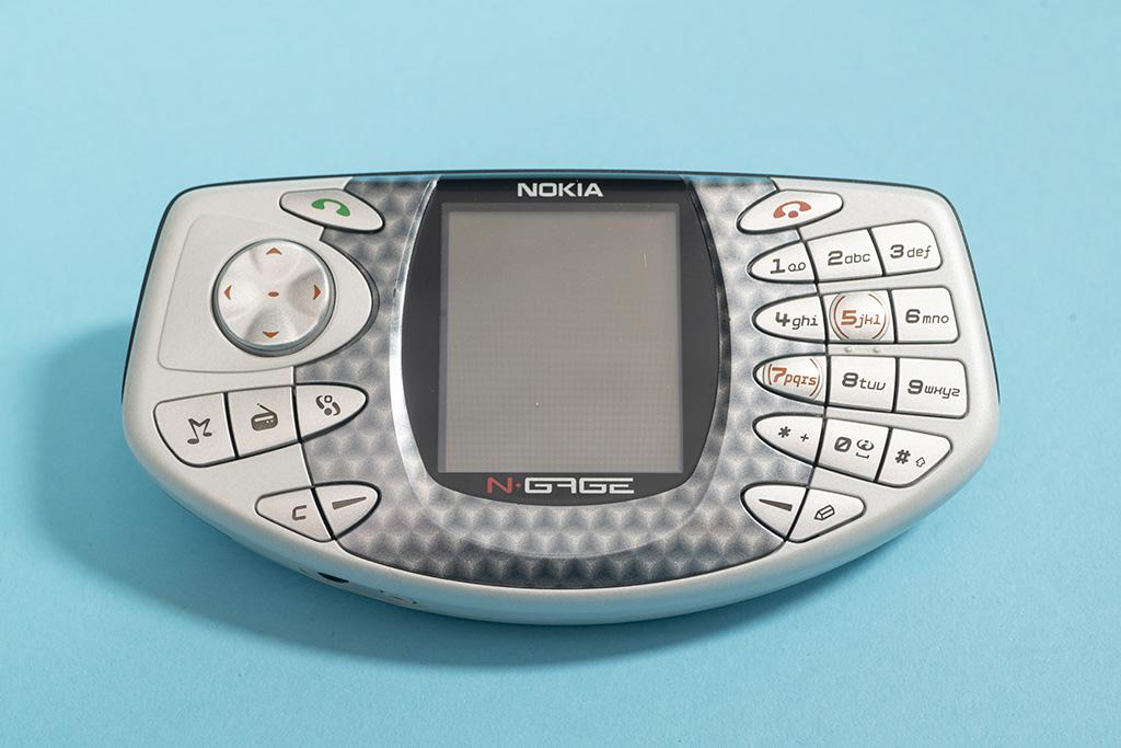 Smartphone Nokia N-Gage, 2003
